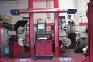 Photo #1: 2 and 4 wheel alignment $40/$60. Cars with Rotors only!