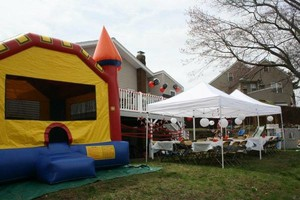 Photo #1: MOONWALK/BOUNCE HOUSE RENTALS