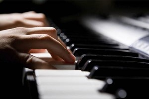 Photo #1: Piano Teacher for Beginners/Intermediate - First Lesson Free!
