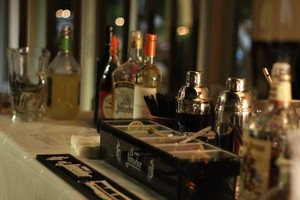 Photo #1: EXPERIENCED / LICENSED BARTENDER AVAILABLE!!