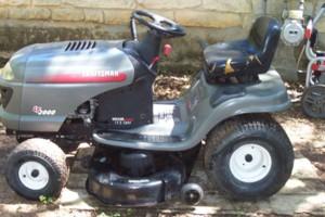 Photo #1: Lawnmower Repairmen or Haul away