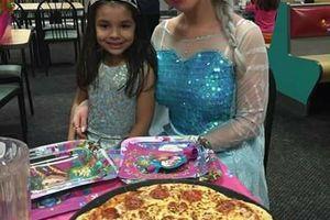 Photo #1: Celebrate with FROZEN'S QUEEN ELSA