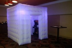 Photo #4: PHOTOBOOTH & DJ RENTALS!!