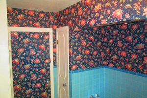 Photo #2: Gel staining, interior painter, wallpaper removal...
