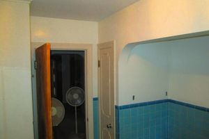 Photo #9: Gel staining, interior painter, wallpaper removal...