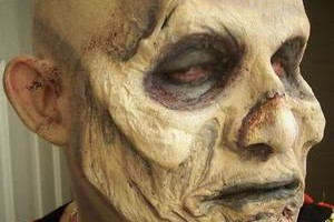 Photo #2: SPECIALIZE IN CREATURES AND GORE! Make Up Artist booking for Halloween