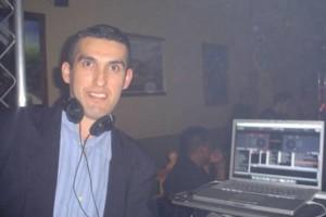 Photo #9: DJ $250 POR 6 HORAS LUZ Y SONIDO