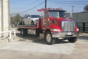 Photo #2: Automotive Towing (Tow Truck)