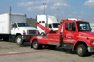 Photo #1: Automotive Towing (Tow Truck)