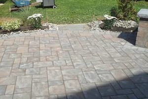 Photo #4: Patio, side walk, driveway and any concrete istallation. Free estimate!