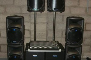 Photo #7: DJ SOUND SYSTEM AVAILABLE FOR SMALL AND LARGE EVENTS