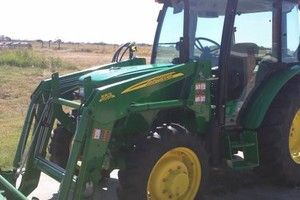 Photo #1: CARWASH AND MOBILE DETAIL SERVICE, JOHN DEERE TRACTOR