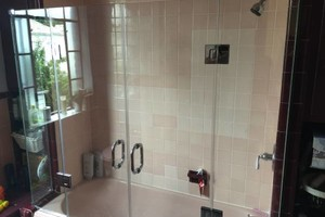 Photo #5: Shower door installation and repear