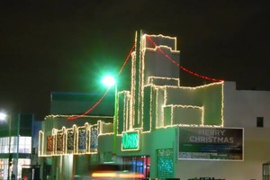 Photo #1: CHRISTMAS LIGHTING INSTALLATIONS