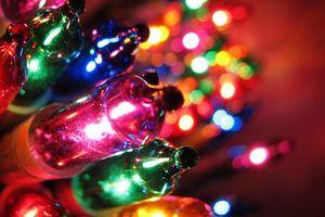 Photo #1: CHRISTMAS LIGHTS INSTALLATION