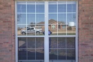 Photo #3: FOGGY WINDOW OR BROKEN GLASS?
