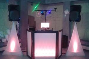 Photo #1: DJ FANATIC - FREE LIGHTING