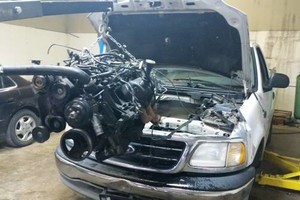 Photo #4: AUTO REPAIR. Free oil change call today