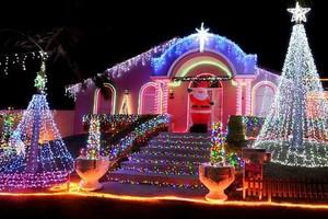 Photo #4: Christmas lights installation!!!