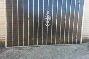 Photo #4: IRON WORK. English/Spanish
