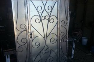 Photo #3: IRON WORK. English/Spanish