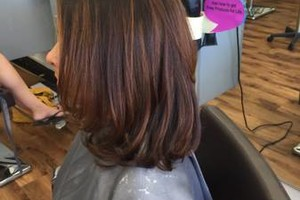 Photo #2: Salon Beauty Bar