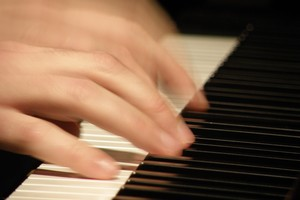 Photo #1: PIANO PLAYER FOR YOUR HOLIDAY PARTY