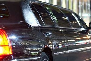 Photo #1: CHAUFFEUR SERVICE / LIMOUSINES