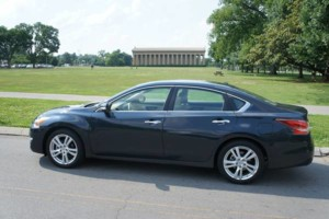 Photo #1: NEED TRANSPORTATION - RELIABLE DRIVER WITH COMFY FULL SIZE SEDAN!