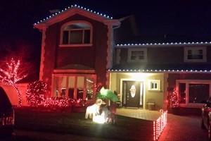 Photo #4: Holiday Lights Installation!!!!!