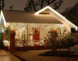 Photo #3: PROFESSIONAL HOLIDAY LIGHTING and DECORATING SERVICES