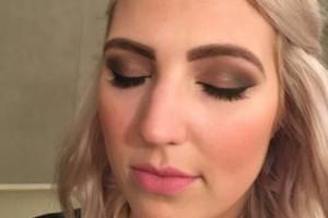 Photo #2: Airbrush Makeup/ Lashes