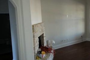 Photo #4: I'm an experience painter - bug or small jobs