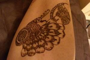 Photo #12: Eyebrow Threading And Henna Designs - Good Price! Great Service! Sky Skin Care
