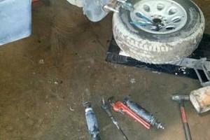 Photo #2: Free estimates! Auto repair services - vehicle repair, brakes, engine rebuild