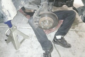 Photo #1: NEED A MECHANIC? CALL TODAY! Rotors $15 each!