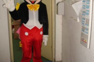 Photo #12: COSTUMED CHARACTERS FOR KIDS PARTY ENTERTAINMENT