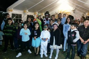 Photo #17: Clown Show! Face Painting, Balloon Twisting Games and much more!