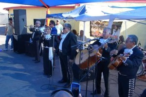 Photo #2: Mariachi Luna de Mexico