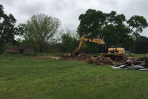 Photo #9: LAND CLEARING/ EXCAVATION/ GRAVEL ROADS/ DEMOLITION