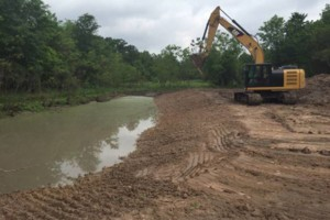 Photo #10: LAND CLEARING/ EXCAVATION/ GRAVEL ROADS/ DEMOLITION