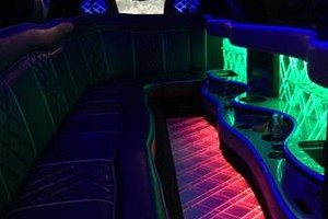Photo #1: TRANSPORTATION LIMO TOWN CAR SERVICE. LIMOUSINE / TAXI
