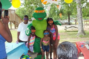 Photo #7: Cartoon characters for kids birthdays entertainers for parties