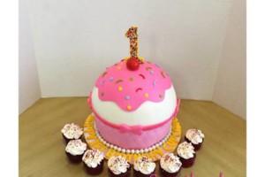 Photo #8: Sweetland Cakery. Cakes for Weddings, Birthdays, Baby Showers, Custom Cakes, Cake Balls
