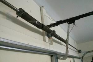 Photo #2: GARAGE DOOR SERVICE (TUCSON)