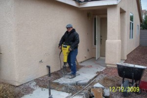 Photo #13: Block wall and Stucco repair, paint to match...