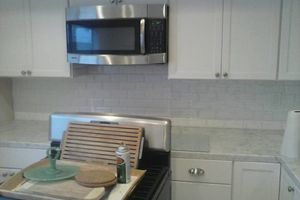 Photo #11: BACKSPLASH TILE SPECIALIZE IN GLASS MOSAIC & NATURAL STONE