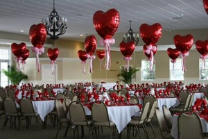 Photo #1: BALLOON DECORATIONS FOR BIRTHDAY PARTIES