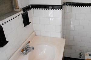 Photo #4: GOOD PROFESSIONAL BATHTUB RESURFACING
