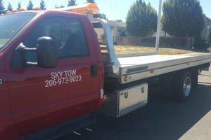Photo #1: 24/7 Towing Service - SKY TOW
